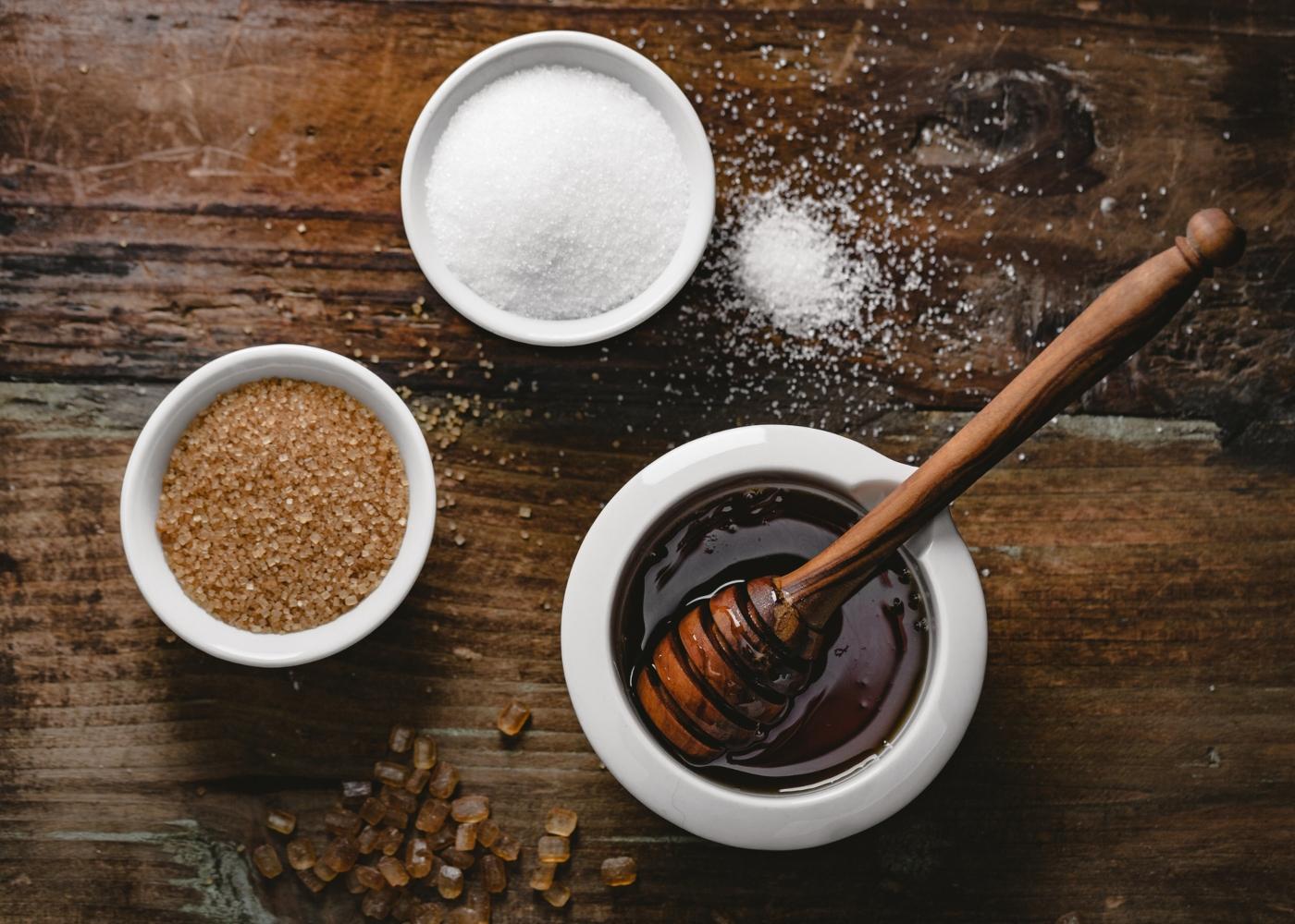 Variedades de açúcar em taças