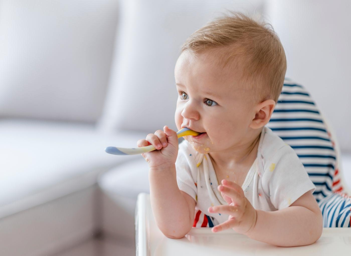 Desenvolvimento do bebé de 9 meses de idade