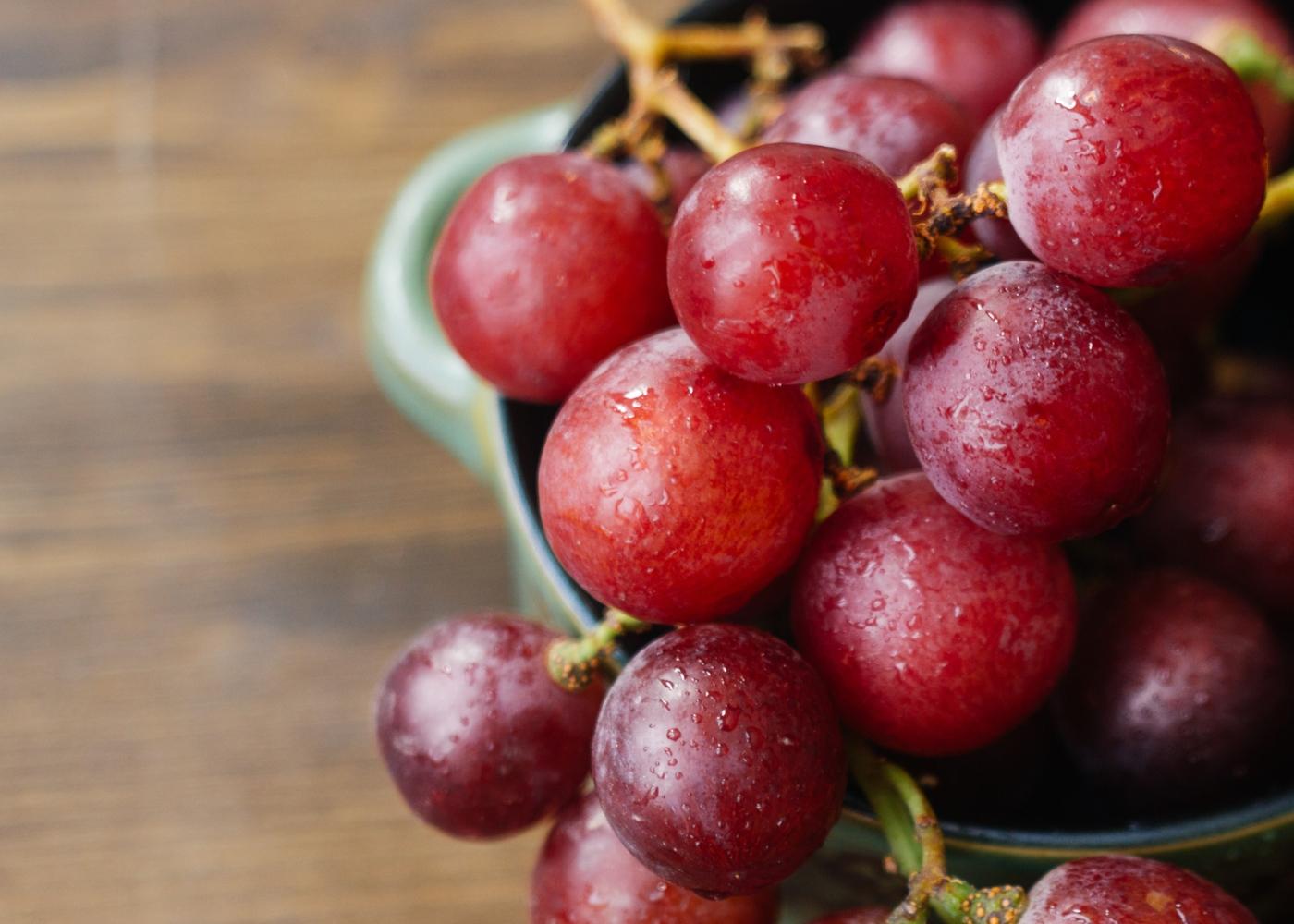 Alimentos com propriedades anti-inflamatórias: uvas