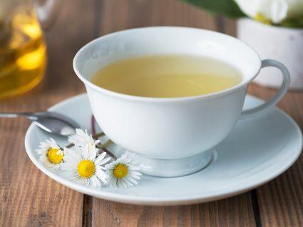 Chávena de chá de camomila