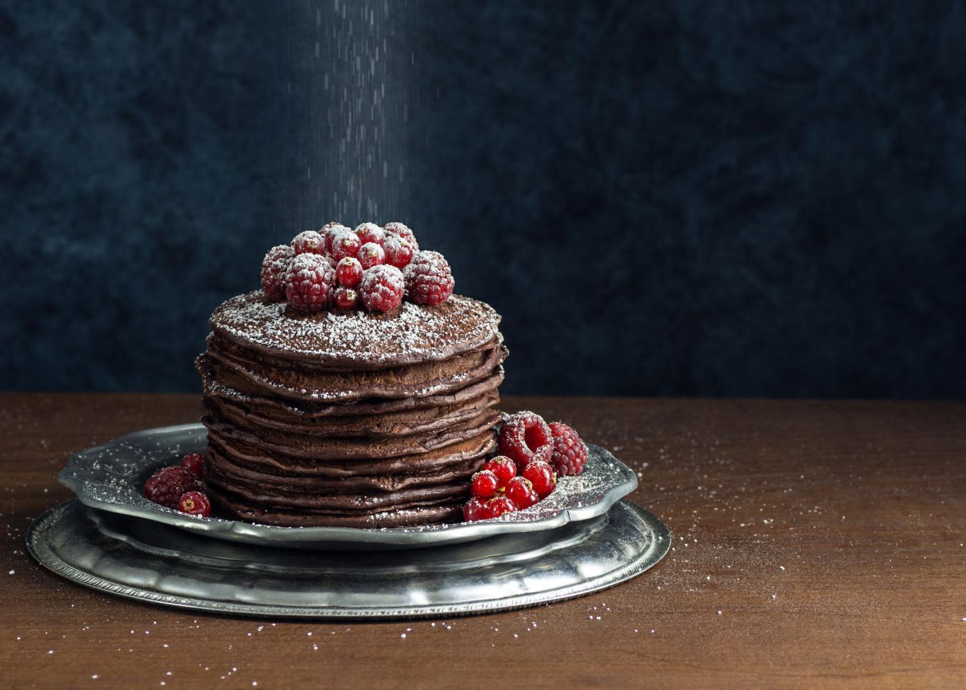 panquecas de chocolate com framboesas