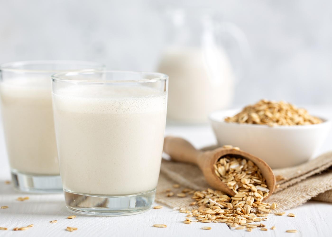 Leite vs bebidas vegetais: leite de aveia