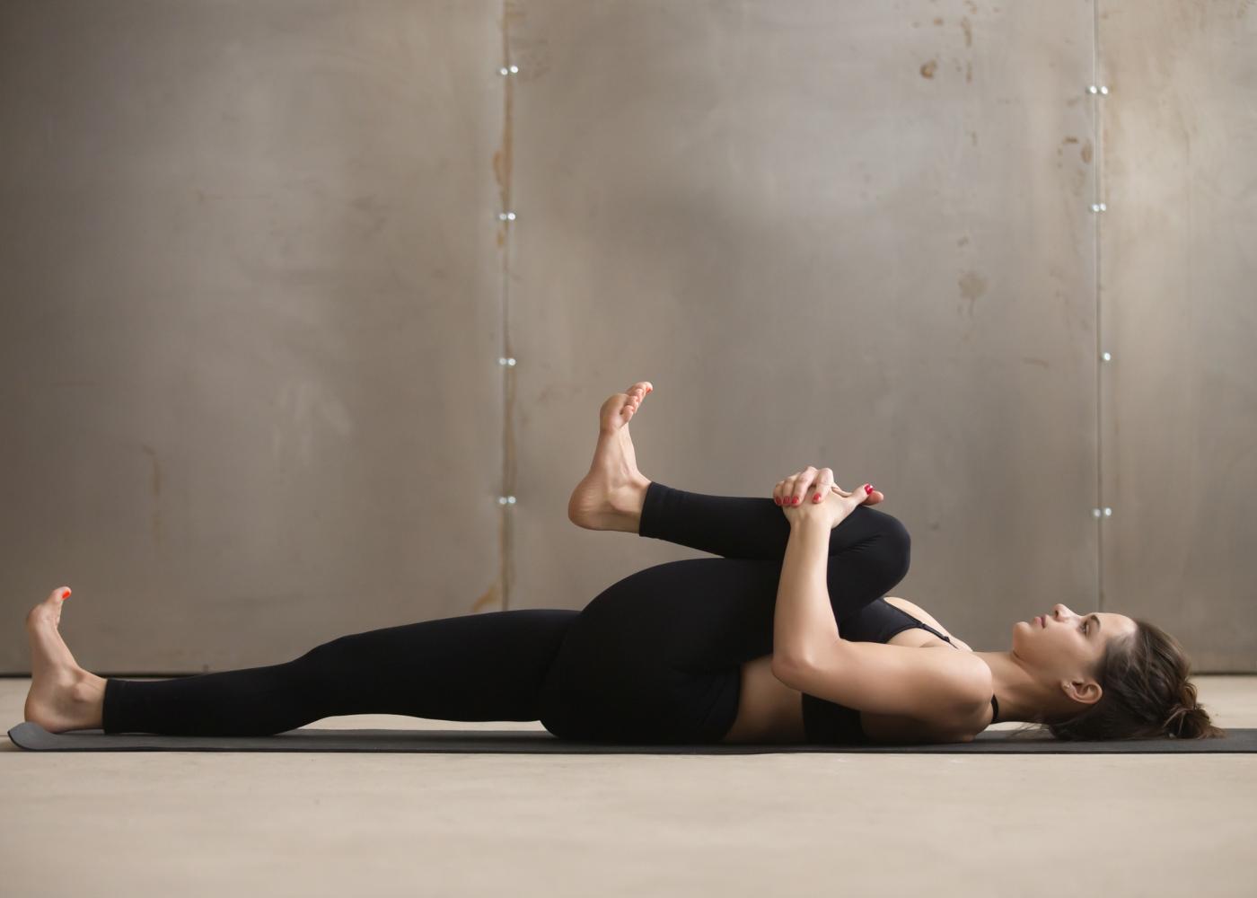 Exercícios para a dor ciática: joelho ao peito e extensão da perna