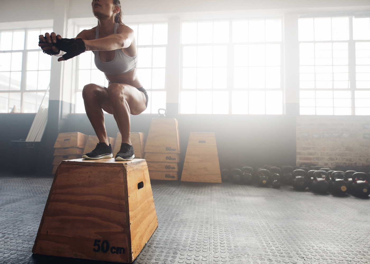 exercicios de crossfit para emagrecer mulher em box de crossfit