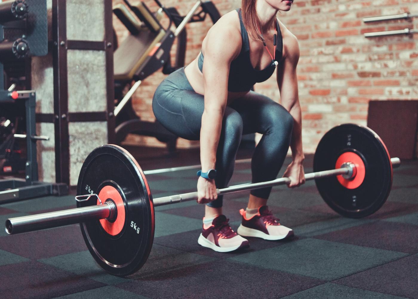 Exercícios de pernas para hipertrofia: peso morto