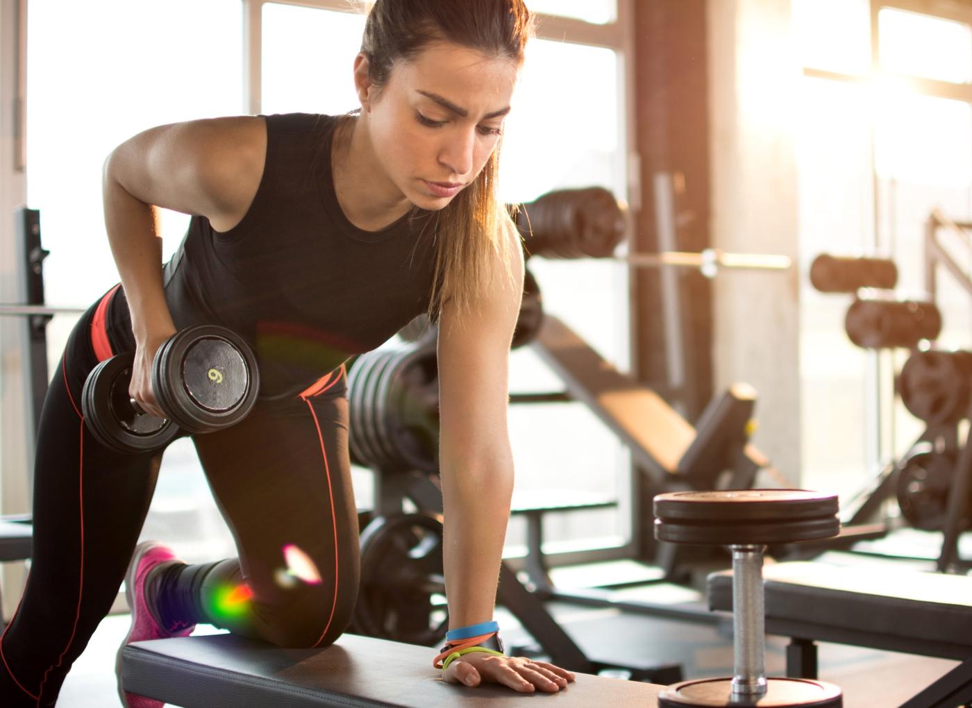 Treino de membros superiores: 5 exercícios para costas, peito e ombro