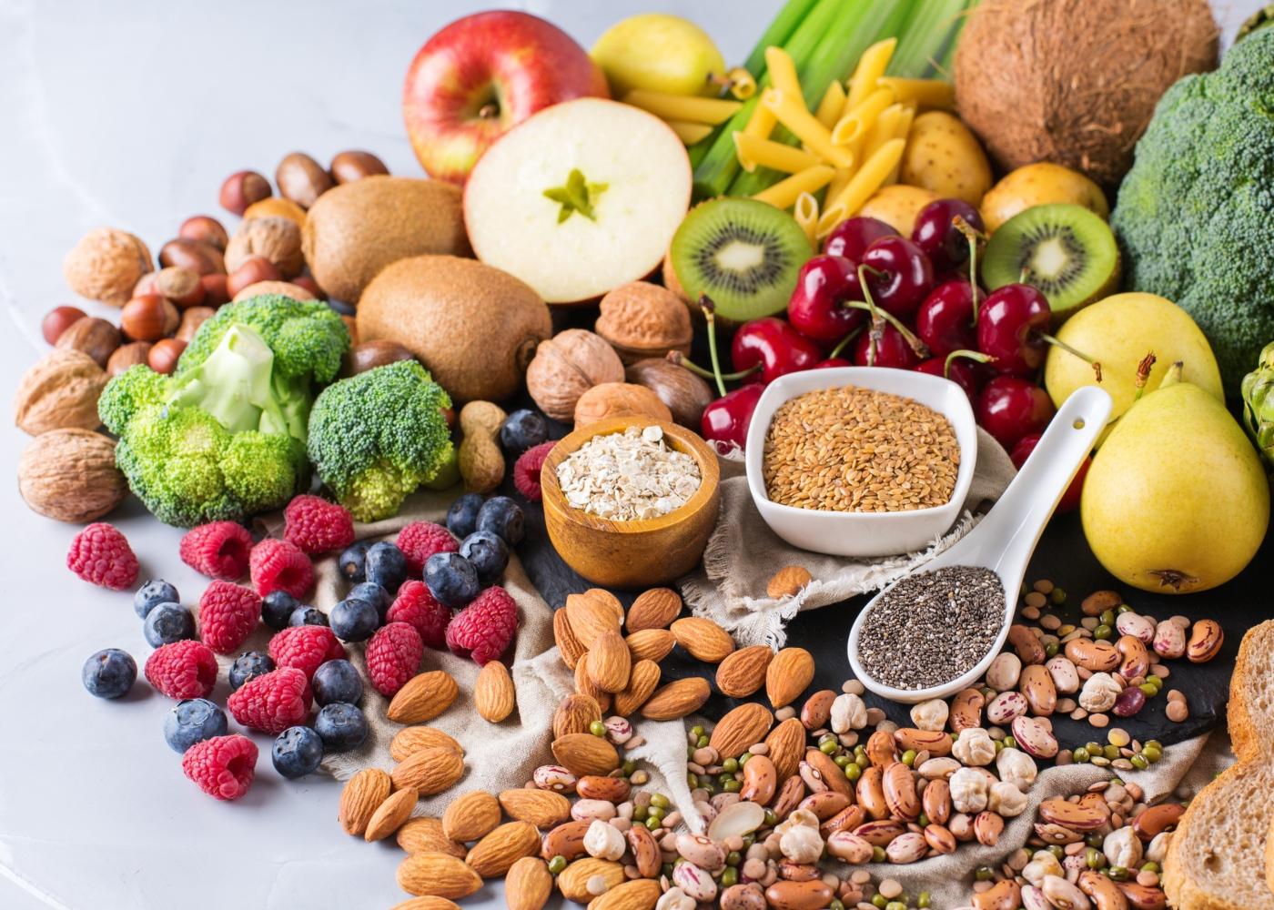 Variedade de alimentos ricos em antioxidantes