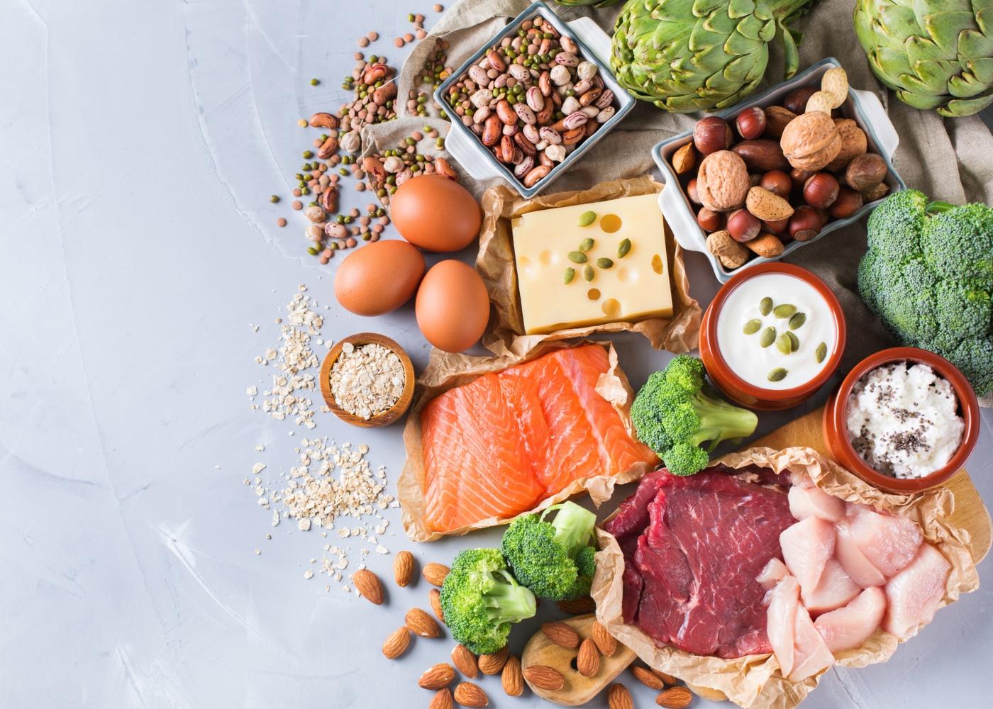 Dieta rica em proteína: variedade de alimentos ricos em proteína