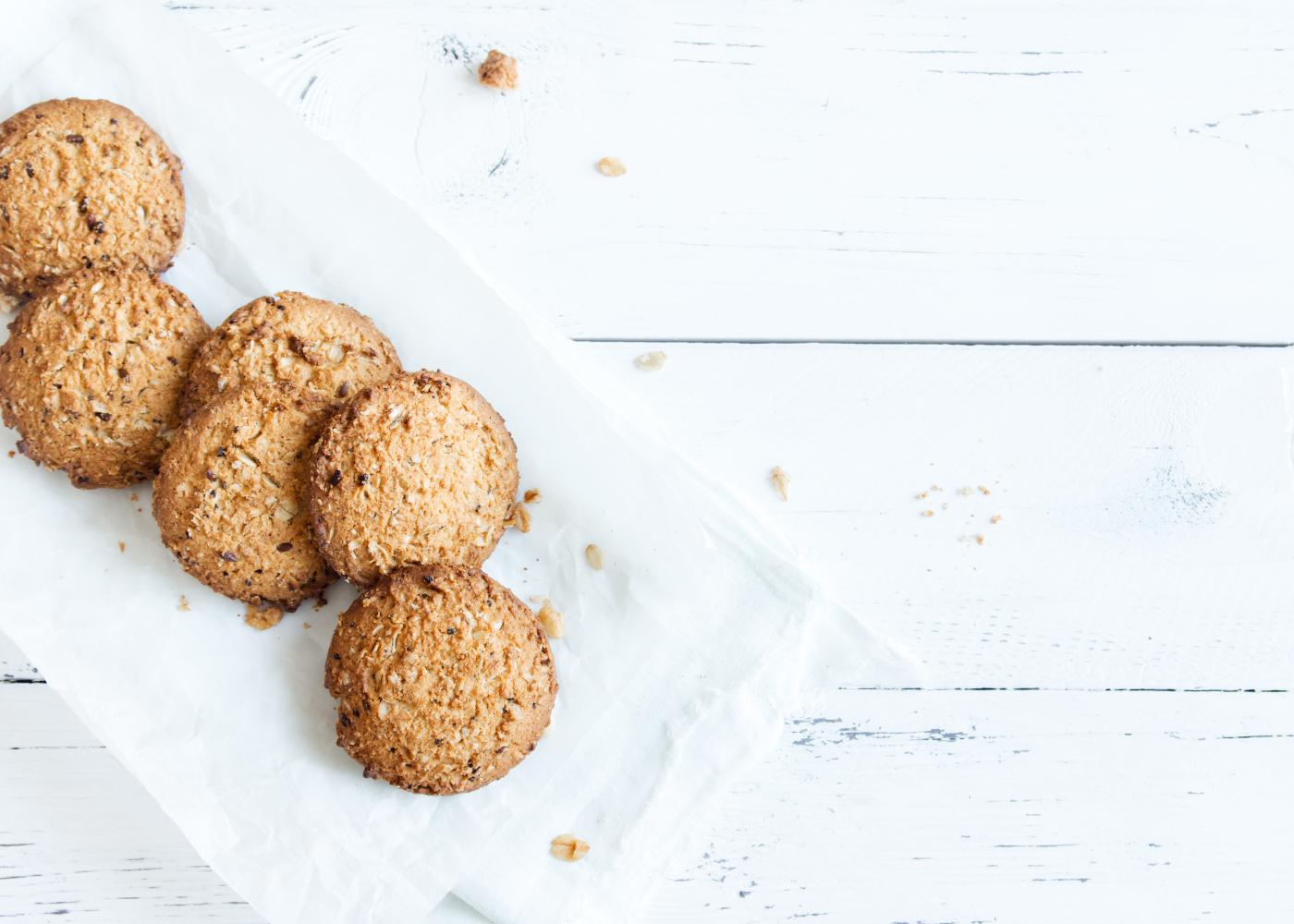 colite e alimentacao biscoitos em travessa