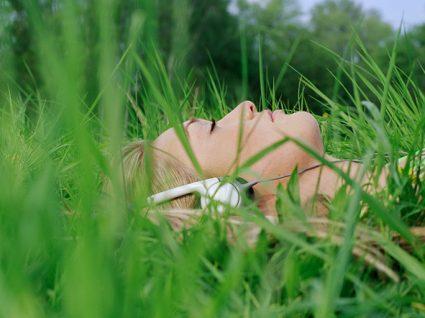Relaxar é um dos hábitos de vida saudáveis