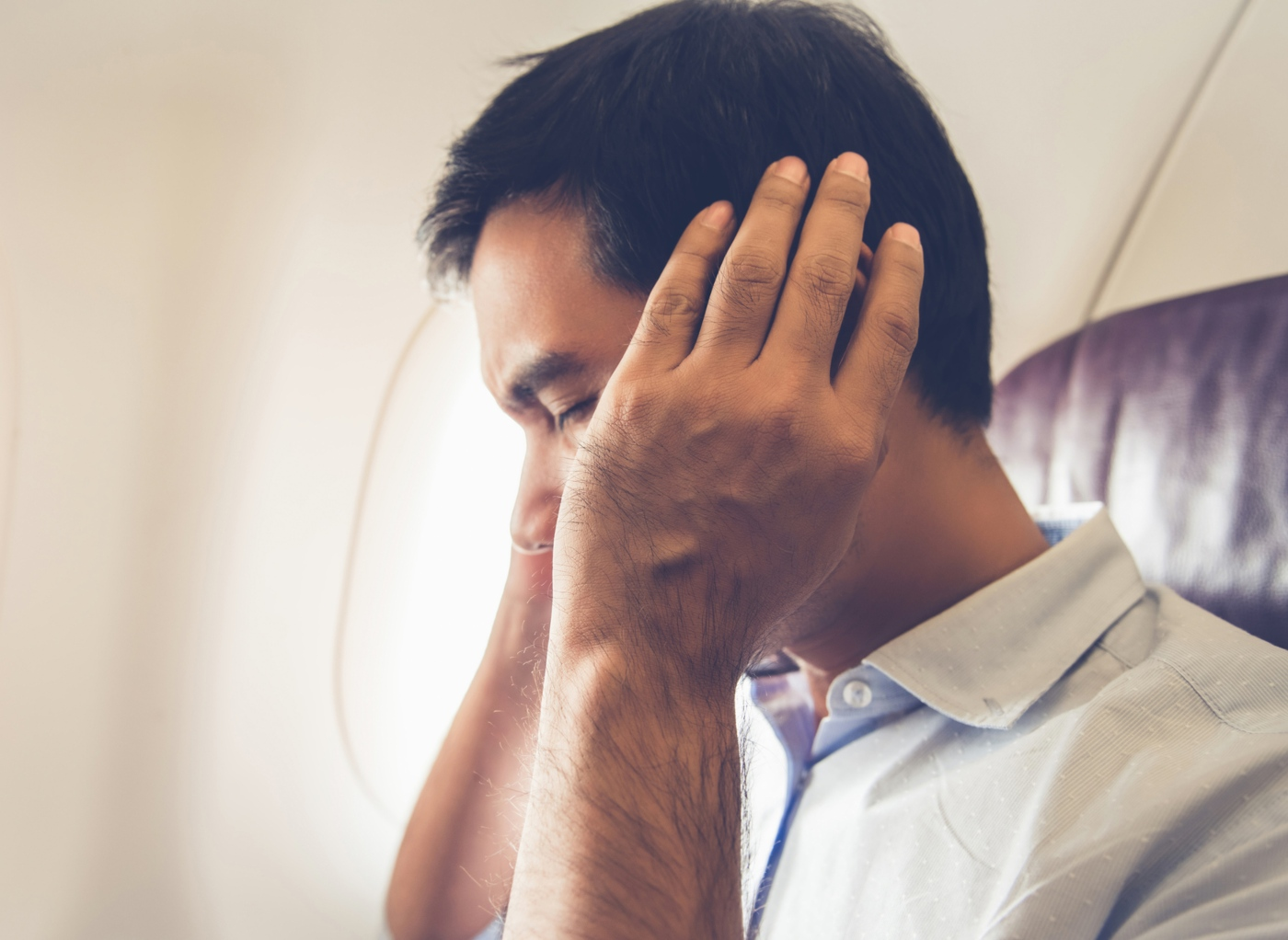 como desentupir os ouvidos: cuidados a ter