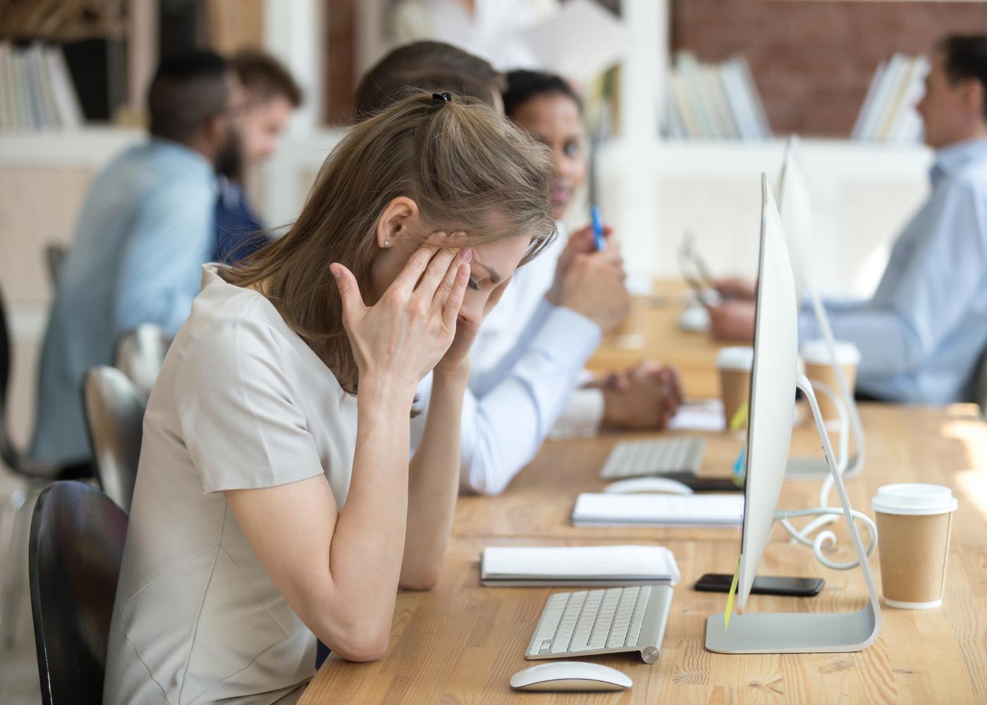 lidar com o stress mulher em stress