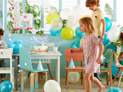 Guia para cadeiras e mesas: sugestões para cuidar da postura dos seus filhos