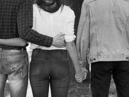 É possível amar duas pessoas ao mesmo tempo?