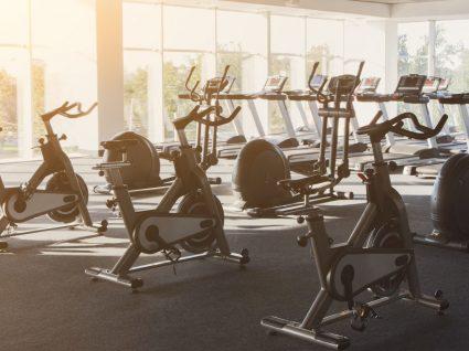 Descubra os 7 hotéis com os melhores ginásios para treinar