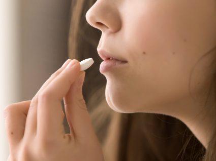O antibiótico corta o efeito da pílula: verdade ou mito?