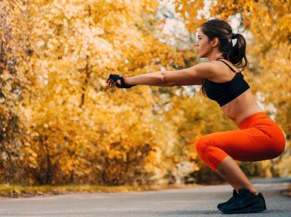 Treino de glúteos ao ar livre: 6 exercícios a incluir no seu treino