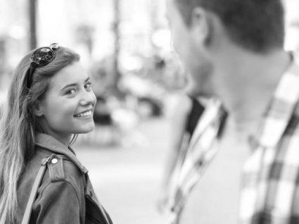 4 Erros de flirt que as mulheres cometem com os homens