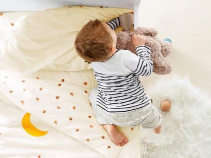 10 prendas de Natal para bebés com descontos até 30%