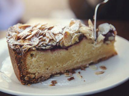 9 Receitas imperdíveis de bolo de amêndoa