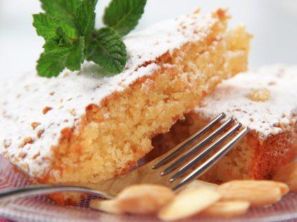 4 Receitas de bolo de amêndoa saudável e irresistível