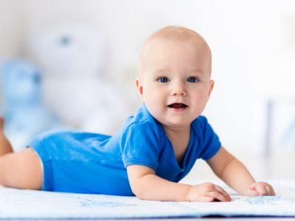 O que bebés e crianças devem aprender e com que idade: saiba tudo!