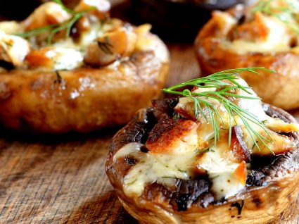 6 receitas de cogumelos Portobello recheados, fáceis de preparar