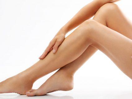 7 Formas eficazes para desinchar as pernas e sentir-se melhor