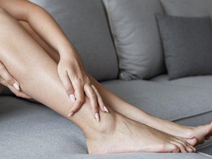 Pernas cansadas? 8 dicas e tratamentos para se sentir melhor.