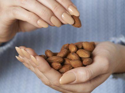 12 Snacks práticos e nutricionalmente equilibrados para o seu dia-a-dia