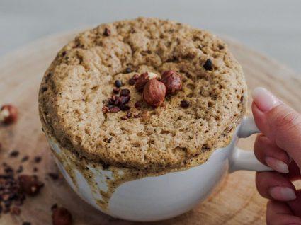Receita de bolo de microondas de coco e chocolate by Vanessa Alfaro