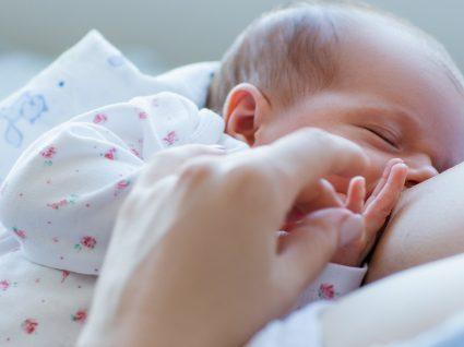 O que é o ingurgitamento mamário? Conheça todas as suas implicações