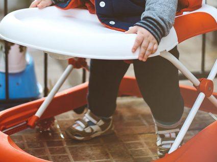 Conheça os perigos e contra-indicações dos andarilhos em bebés