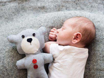 Quando fecha a fontanela ou moleira do bebé?