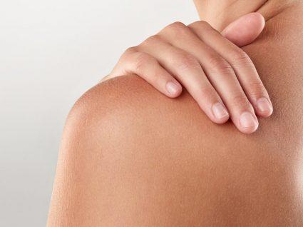 10 Dicas para tratar a pele a descamar e ficar com um bronzeado uniforme