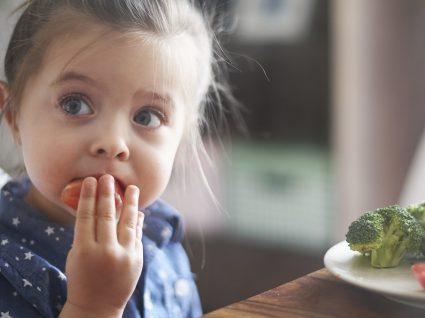8 grupos de alimentos que ajudam a fortalecer a imunidade das crianças