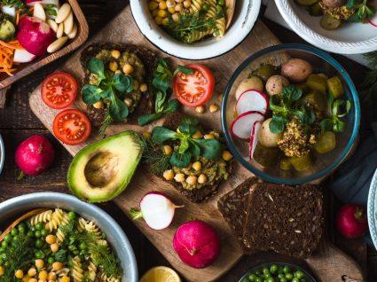 10 destinos de férias para vegans e vegetarianos
