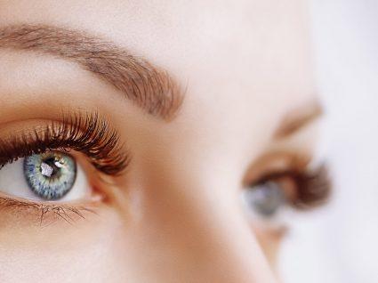 15 formas eficazes de atenuar os papos nos olhos