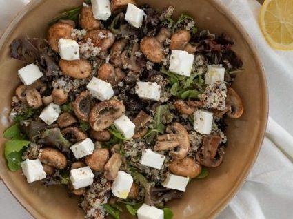 Salada de cogumelos e queijo feta by Vanessa Alfaro