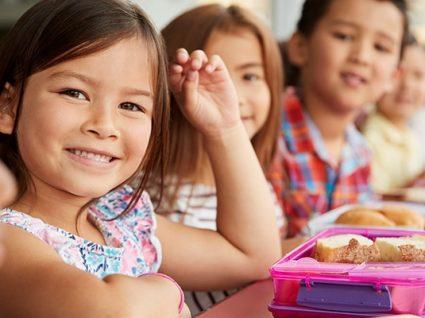 Dia Mundial da Obesidade: crianças comem 4 vezes mais proteína do que deveriam
