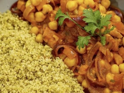 Caril de grão com couscous by Vanessa Alfaro