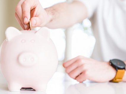 Mesada para crianças: 7 dicas para a educação financeira do seu filho