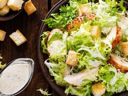 Molho césar: receitas do molho e da salada completa