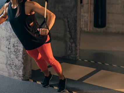 Exercícios com TRX para fazer em casa: dicas para um treino completo