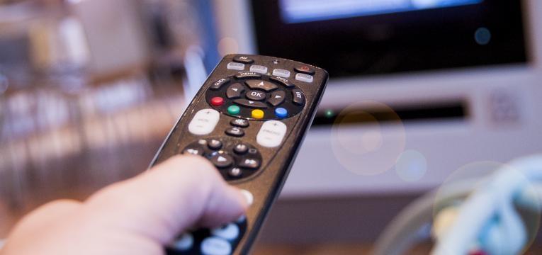 entretenimento para as novas geracoes e comando de tv