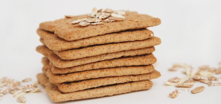 Crackers saudaveis de aveia linhaca e ervas