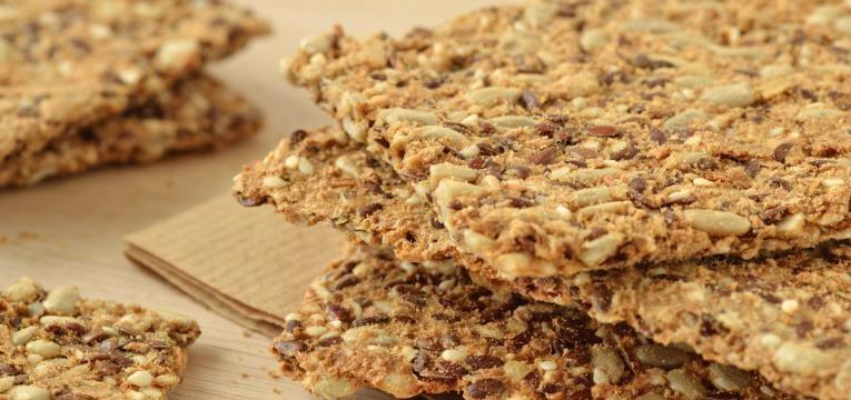 Crackers saudaveis de sesamo