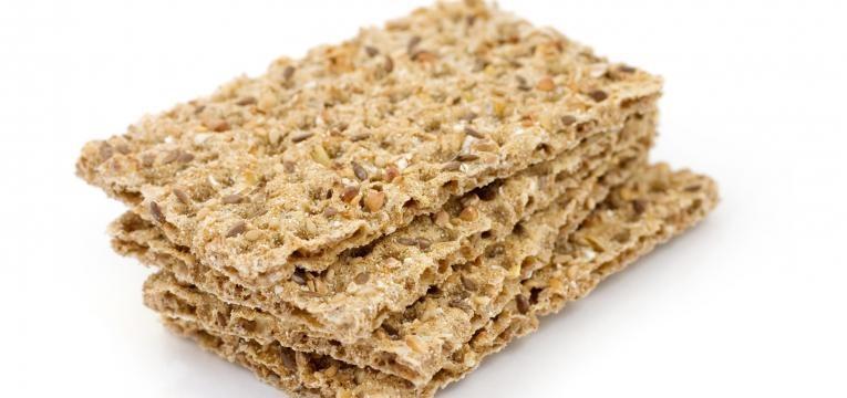 Crackers saudaveis de farinha de grao e sesamo