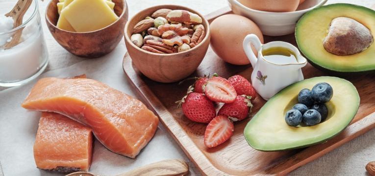 varios alimentos sem hidratos