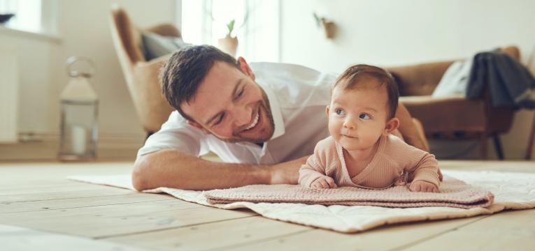 bebe e pai